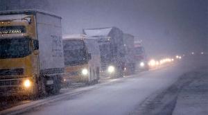 tung-trafik-lastbil-buss-vinter-vinterdack