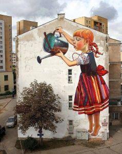 street art flicka vattnar