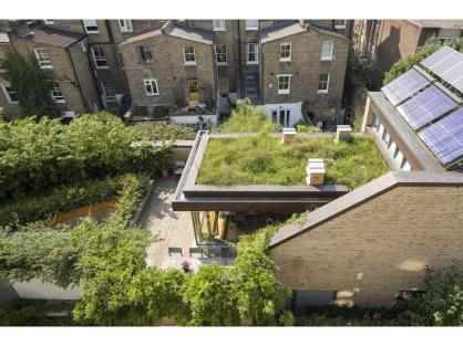 permaculture-passivhaus-roof-garden